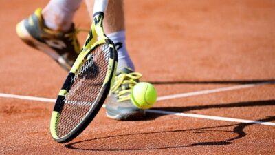 olahraga tenis lapangan